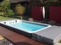 swimspa im Garten integriert