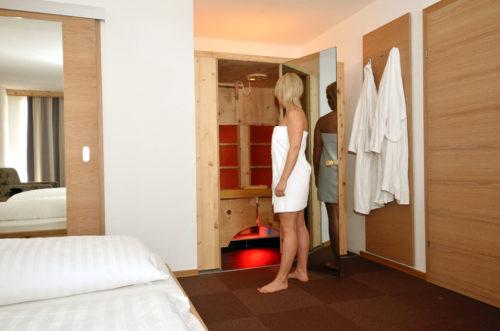 Hotelzimmer mit Model