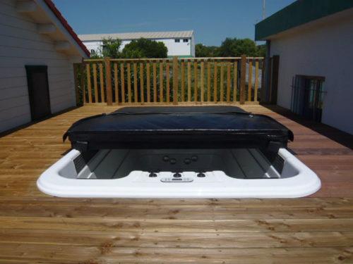 Power-Swim-Built-In-w-Cover