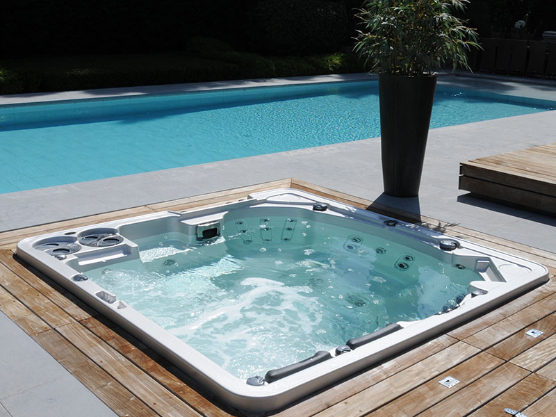 hydropool self cleaning hot tub 700 wellnessdrops. Black Bedroom Furniture Sets. Home Design Ideas