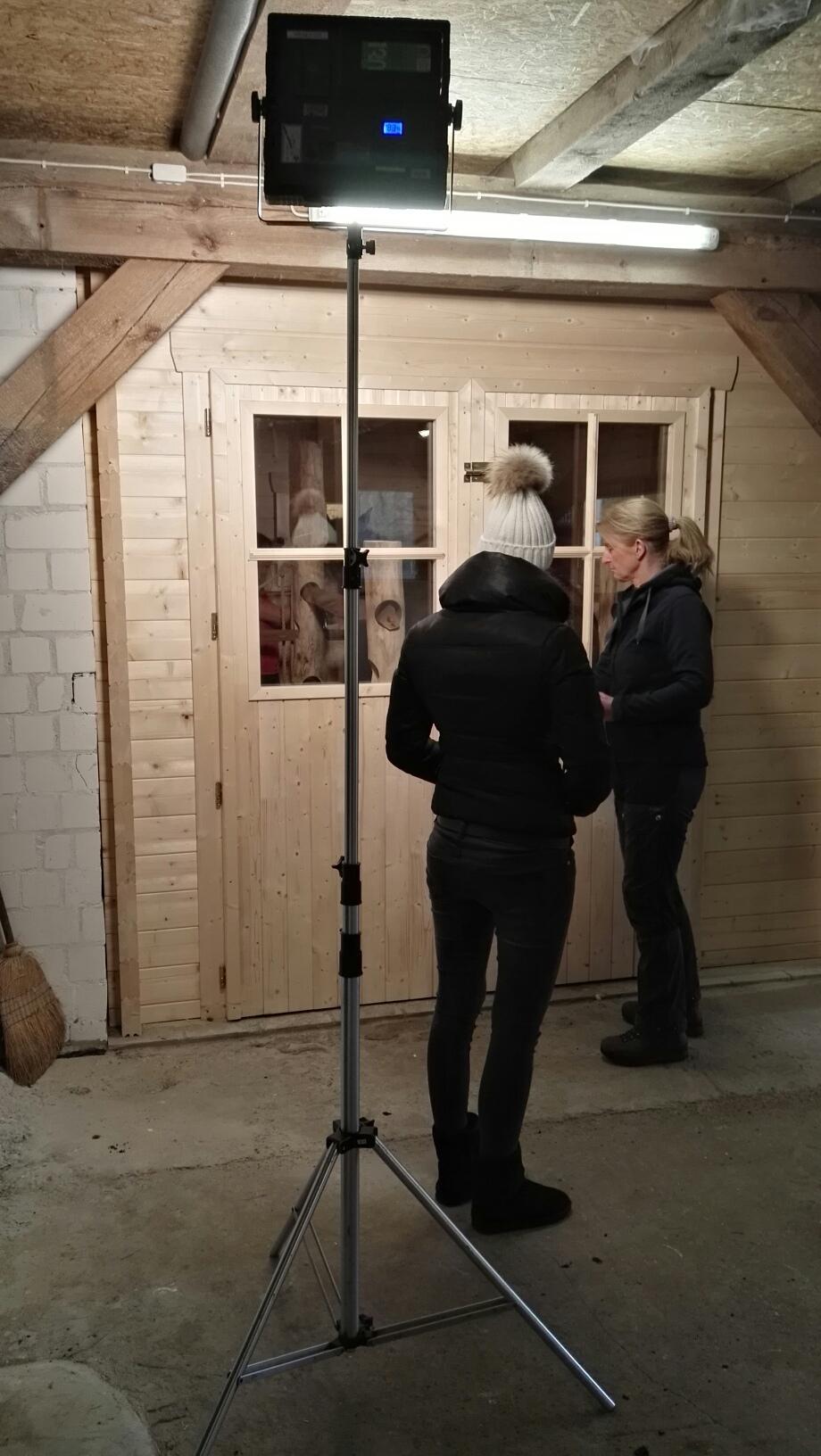 die pferdesauna gebaut von wellnessdrops bei rtl. Black Bedroom Furniture Sets. Home Design Ideas